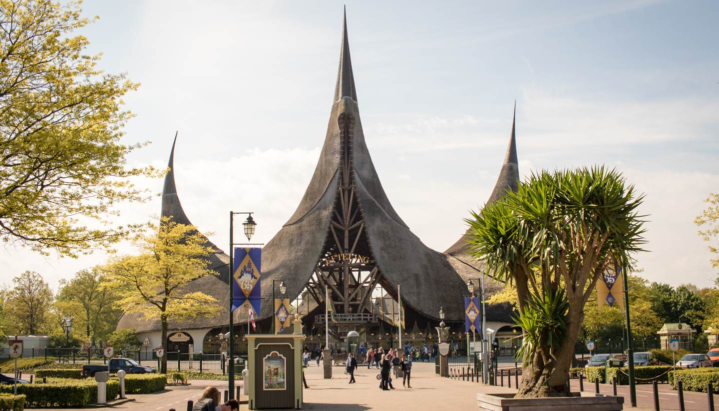Top 5 cliché-free Valentine's breaks - Entrance to De Efteling, Netherlands