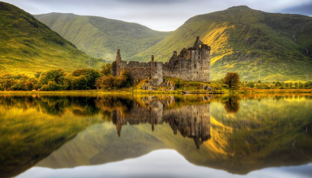 Scotland - Kilchurn Castle, Loch Awe, Scotland