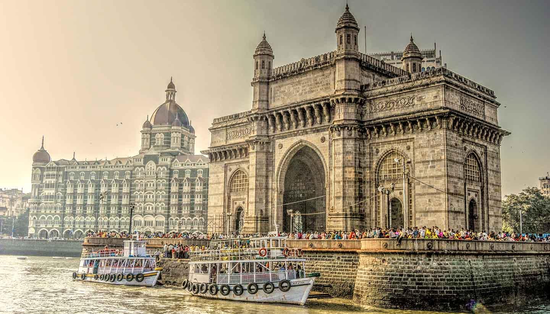 Mumbai (Bombay) - Gate Way of India & Taj Hotel, Mumbai