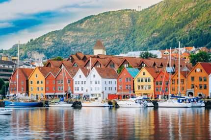 shu-Norway-Bergen-537088675-Grisha Bruev 430
