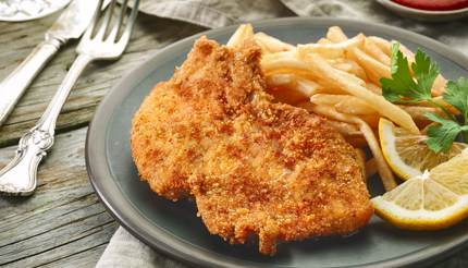Schnitzel with chips