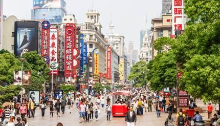 Nanjing lu - shopping in shanghai