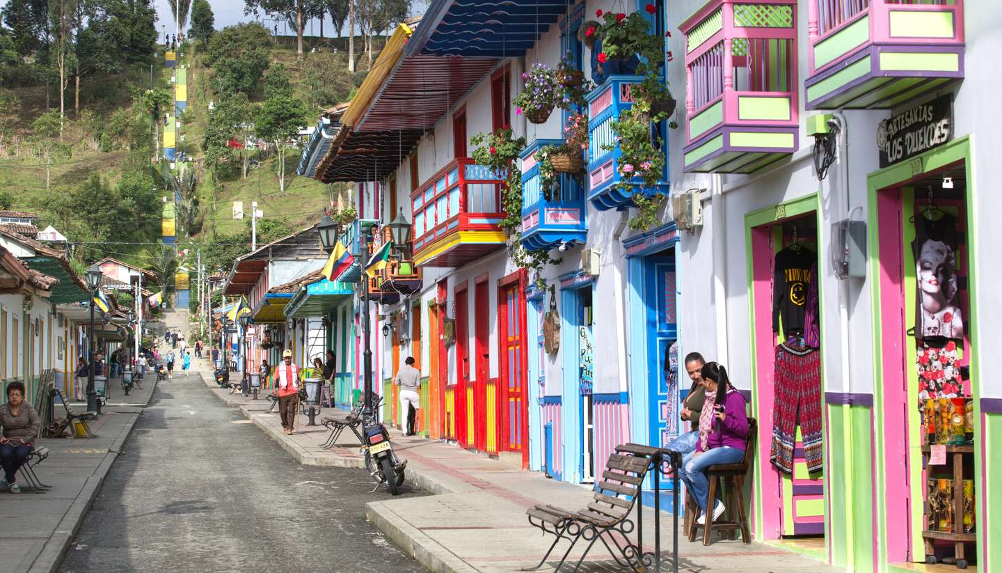 Colombia's coffee paradise - Colourful houses in Salento