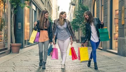 Three ladies shopping in Milan