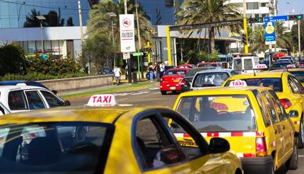 Traffic of yellow taxis in Miraflores