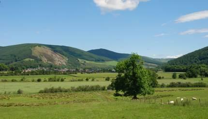 shu-innerleithen-scotland-hillsides-661940845-430x246