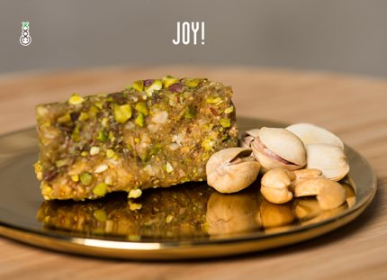 This treat consists of figs, pistachios, cashews, raisins, sunflower, agave, orange and 10mg of CBD