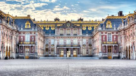 shu-France-Versailles-Palace-1116625745-436x246