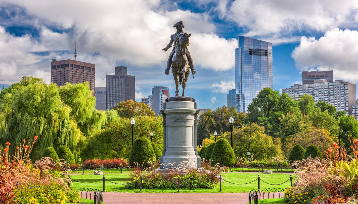 Boston with a twist - shu-George-Washington-Monument-at-Public-Garden-in-Boston-Massachusetts.-758671198-1440x823