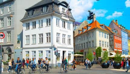 shu-Denmark-Copenhagen-people-cycling-in-Copenhagen-1273661620-430x246