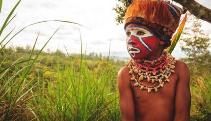 shu-Papua-New-Guinea-Piaya-Young-Tribe-Member-715194547-430x246