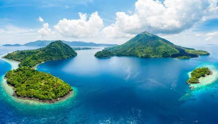 shu-Indonesia-Banda-Islands-Aerial-View-1245913240-430x246
