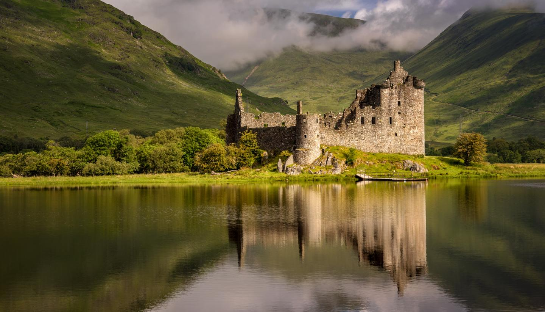 Explore Scotland's historic castles - shu-Scotland-Loch-Awe-Kilchurn-Castle-433830160-1440x823