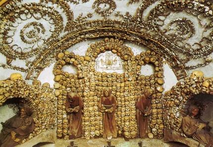 Inside Santa Maria ©Johnny Söderberg, licensed under CC BY-NC-SA 2.0