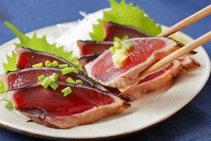 Katsuo no tataki (seared bonito)